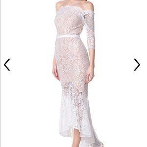 Off the shoulder Jarlo dress